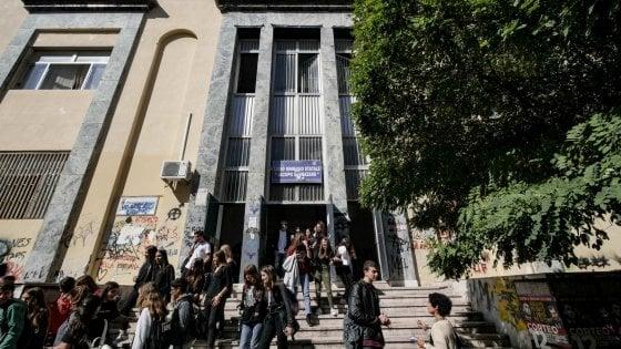 Liceo Sannazaro, nominata la nuova preside: è la dirigente del Genovesi, Mia Filippone