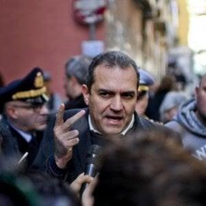 """Napoli, la provocazione di de Magistris: """"Se gli azzurri vincono lo scudetto, vado a cena con Salvini"""""""