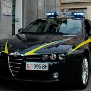 Contrabbando di sigarette, blitz nel Casertano