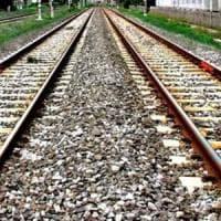 Caserta, investito sulla Roma-Napoli da un treno: circolazione sospesa