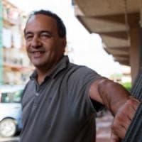 """Mimmo Lucano da Riace a Napoli: """"Accetto con il cuore l'invito di de Magistris"""""""