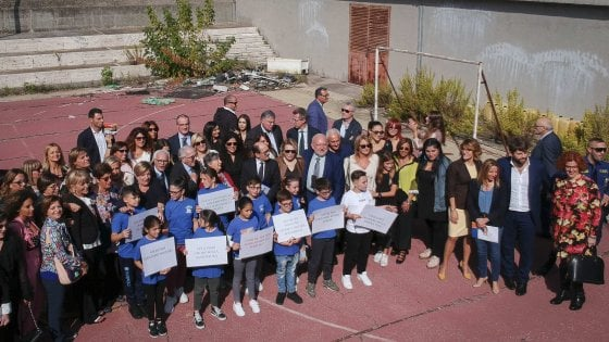 Napoli, la Fondazione Santobono riqualifica il campo di calcio per i ragazzi del Rione Conocal