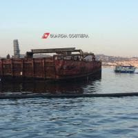 Baia, la Capitaneria rimuove un relitto rimasto in mare per 33 anni