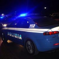 Omicidio a Napoli, trovato cadavere in un'auto