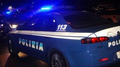 Omicidio a Secondigliano cadavere in un'auto