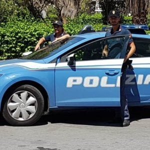 """Napoli, shopping senza pagare, arrestata a Napoli la sorella di """"Genny 'a carogna"""""""