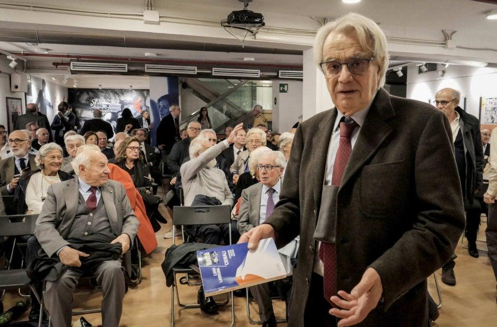 """Luigi Labruna presenta """"Crinali"""", libro nato dai suoi articoli pubblicati su """"Repubblica"""""""