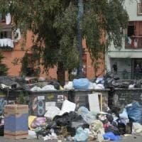 Rifiuti, indagini della Procura di Napoli: verifiche sulla presenza dei