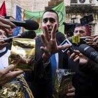 """Rifiuti a Napoli, la maggioranza gialloverde si spacca. Di Maio a Salvini: """"La camorra ha..."""
