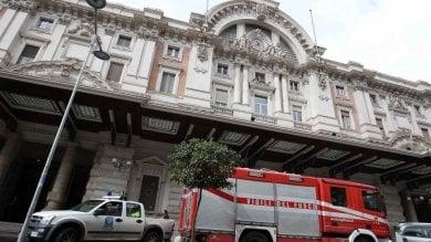Tragedia a Mergellina: 30enne    si lancia contro un treno, muore sul colpo