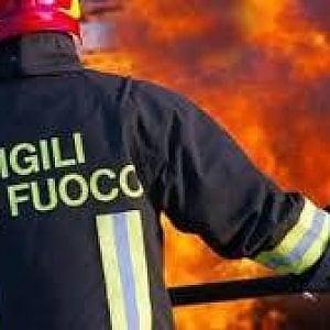 Rogo in galleria sulla Napoli-Salerno: cinque operai feriti. Sospesa la circolazione dei treni