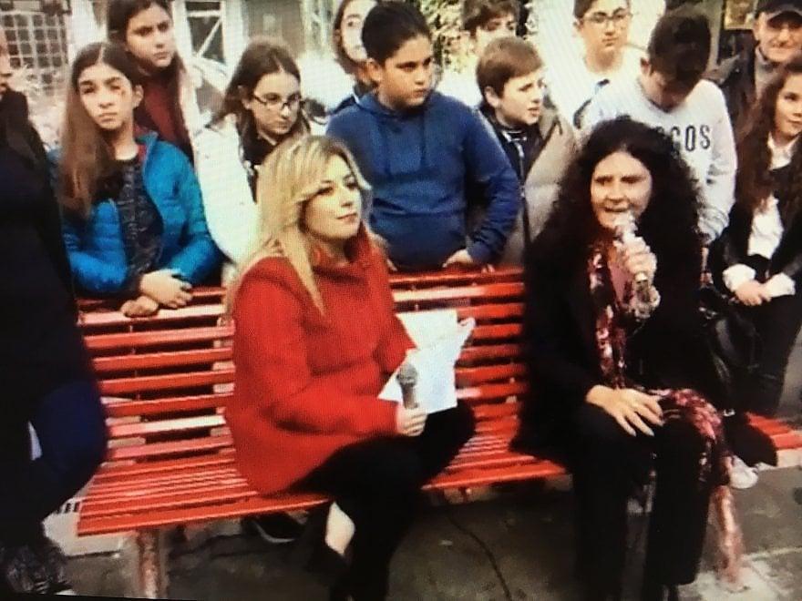 Violenza contro le donne, una panchina rossa in piazza Gramsci a Giugliano
