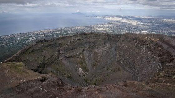 """Vesuvio, Flavio Dobran: """"Bisogna intervenire, lo scenario è apocalittico"""""""