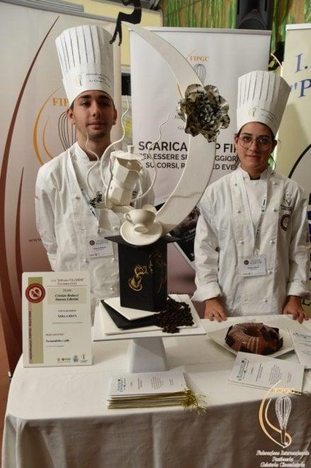 Concorso nazionale di pasticceria per gli studenti dell'alberghiero: vincono due ragazze di Ercolano