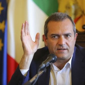 Autonomia, de Magistris: il Veneto avrà una corsia preferenziale