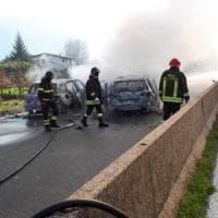Assalto a tre portavalori, fiamme e conflitto a fuoco: far west sul raccordo Avellino-Salerno . Bottino da 2 milioni