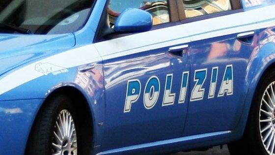 Castellammare, arrestato l'imprenditore Adolfo Greco: aveva una montagna di soldi in un muro di casa