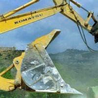 Abusivismo: al via demolizione villa su terreno confiscato