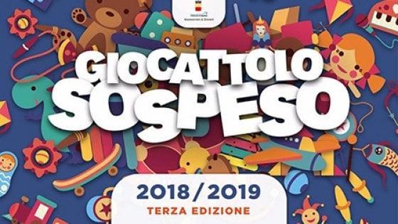 Natale: solidarietà a Napoli, c'è il giocattolo sospeso