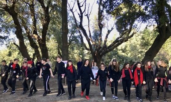 Inaugurata la panchina rossa di Capodimonte