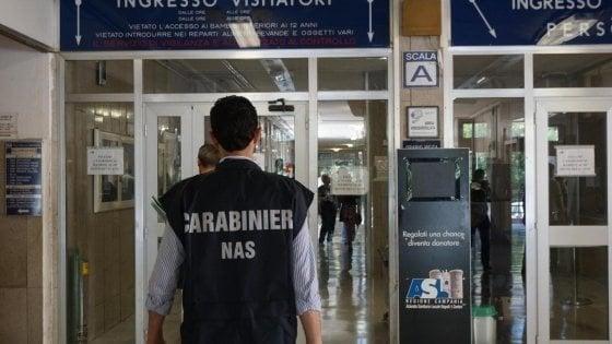 Sommersa dalle formiche: i carabinieri chiudono bar e ristorante dell'ospedale