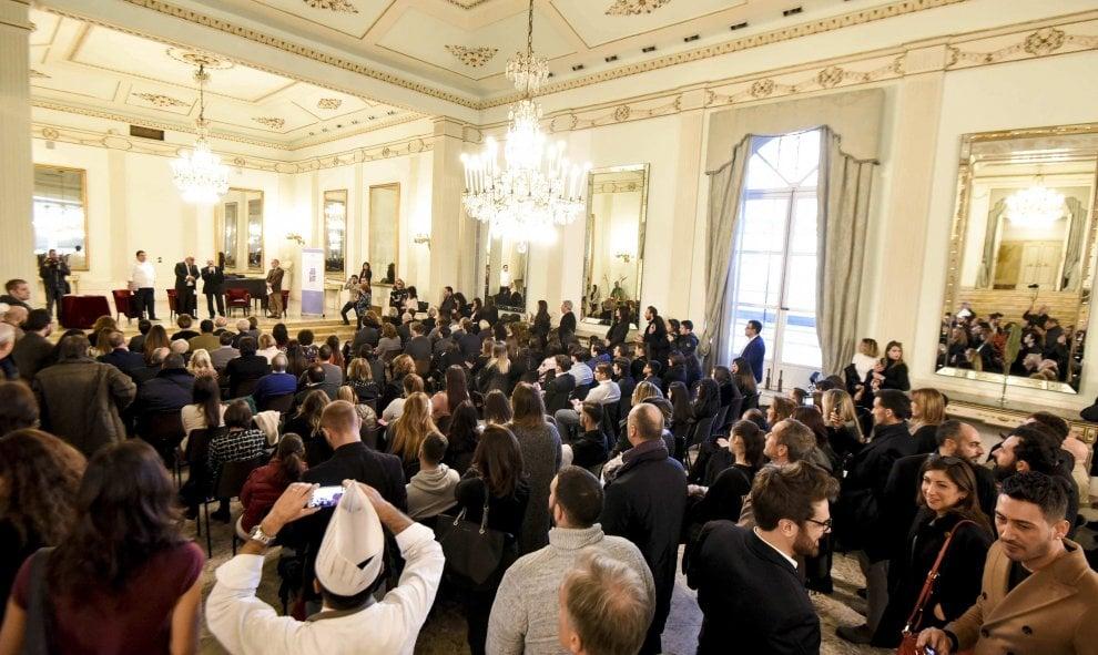Napoli, folla al San Carlo per la presentazione della Guida di Repubblica