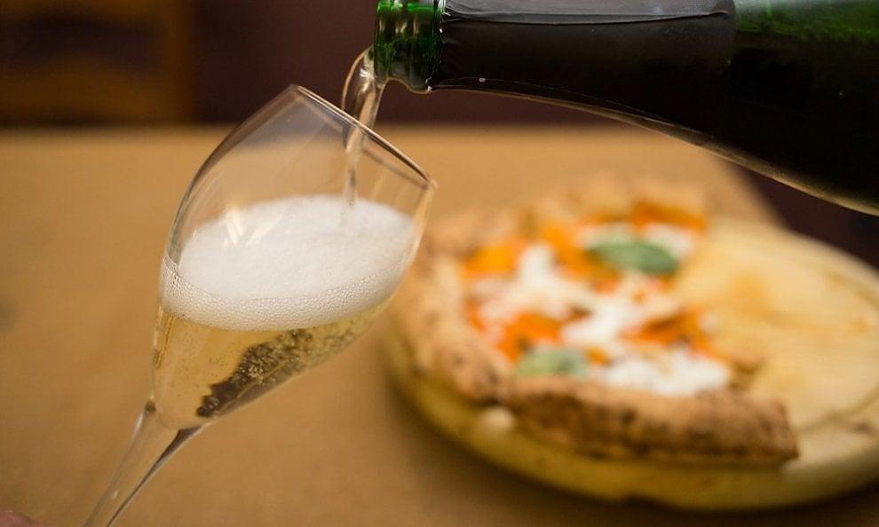 """""""Pizza e Bolle"""": a Napoli si presenta l'ultimo libro di Squadrilli e Mauri con i pizza chef Isabella De Cham, Oliva, Salvo e Starita"""