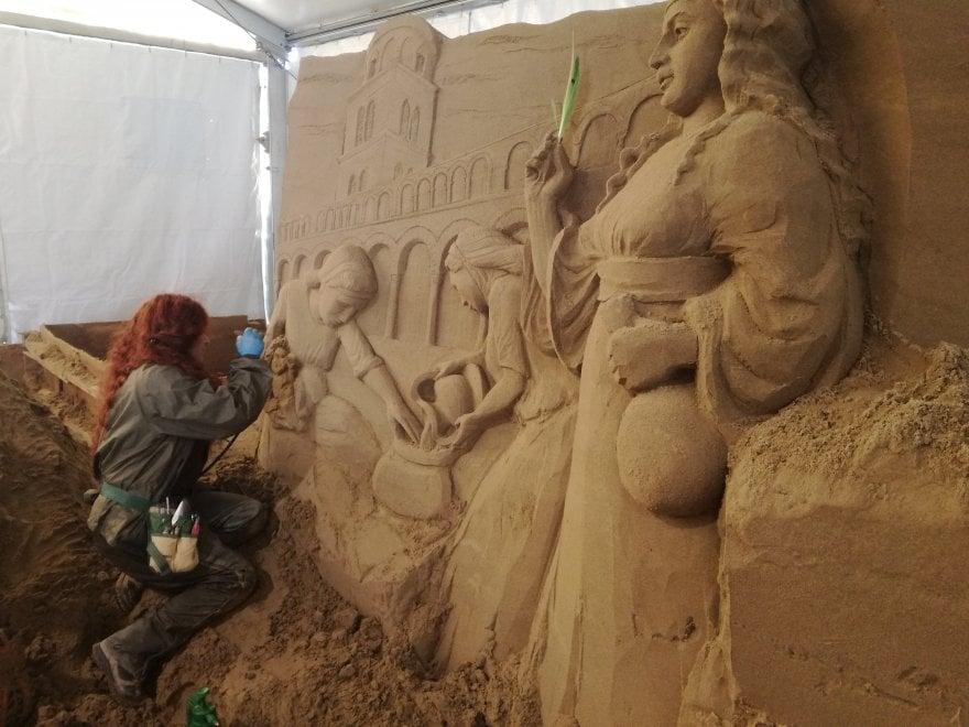 Salerno, ecco il Presepe di sabbia: sarà un inno al Medioevo