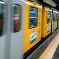Metro linea 1, raid di vandali