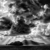 Capri, suggestioni in bianco e nero da Punta Campanella