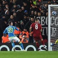 Napoli, eliminazione amara dalla Champions: il Liverpool vince 1-0. Milik fallisce il pari nel finale