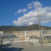 Carcere di Salerno, fino a 7 detenuti in 3 metri quadri: