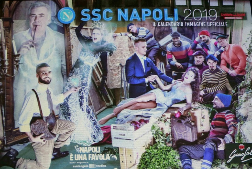 Napoli Calendario.Presentazione Del Calendario Del Napoli 2018 2019 1 Di 1