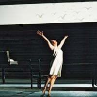 A teatro con Repubblica, sconti per il San Carlo e De Crescenzo