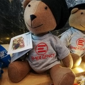 Emergency Regali Di Natale.Regali Solidali Apre In Via Medina Lo Spazio Natale Emergency Di