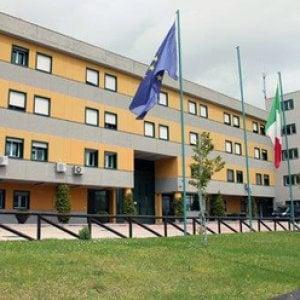 Carcere di Avellino, marijuana nel pacco di Natale per un detenuto: denunciata la moglie