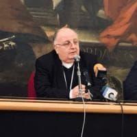 Salerno, l'arcivescovo Moretti lascia: