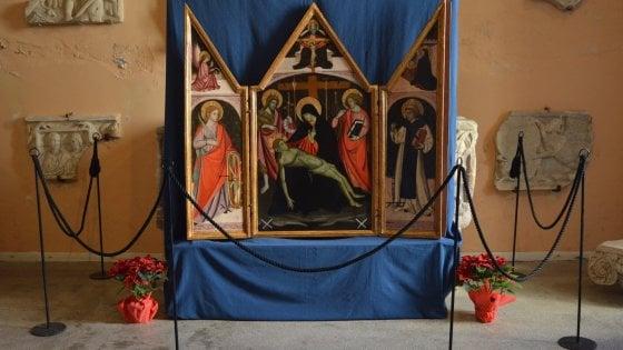 Restaurato il più antico dipinto del Museo Correale, un trittico quattrocentesco