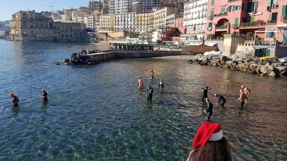 Coppa di Natale, a nuoto nel mare di Posillipo