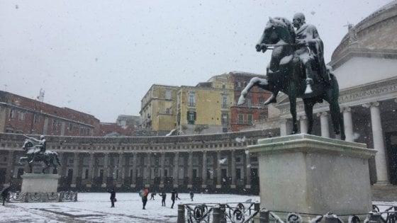 Campania, allerta meteo. Nevicate anche a bassa quota