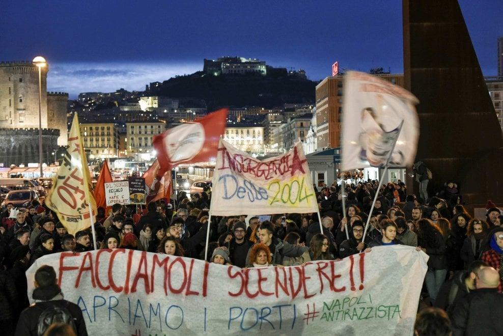 """""""Siamo tutti migranti"""", a Napoli corteo a sostegno dei sindaci che contestano la legge sulla sicurezza"""