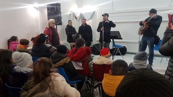 """Napoli, la Befana dei Gallo, i fratelli attori: """"Noi, per i ragazzi del quartiere"""""""