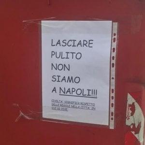 """A Pordenone cartello denigra napoletani, polemica in rete. De Magistris: """"Rimuovetelo subito"""""""
