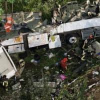 Strage bus ad Avellino: storia dell'incidente stradale con 40 vittime in A16