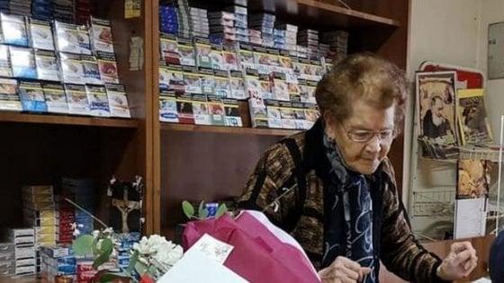 Tabaccaia 90enne mette in fuga un  rapinatore e lo fa arrestare