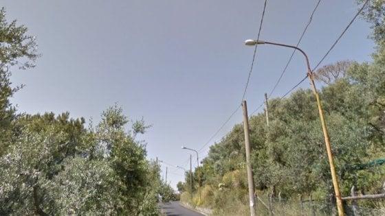 Case danneggiate da incendi tra Piano di Sorrento e Massa Lubrense, scattano gli sgomberi