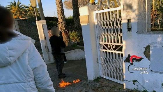 Ischia: prova a dare fuoco ai carabinieri