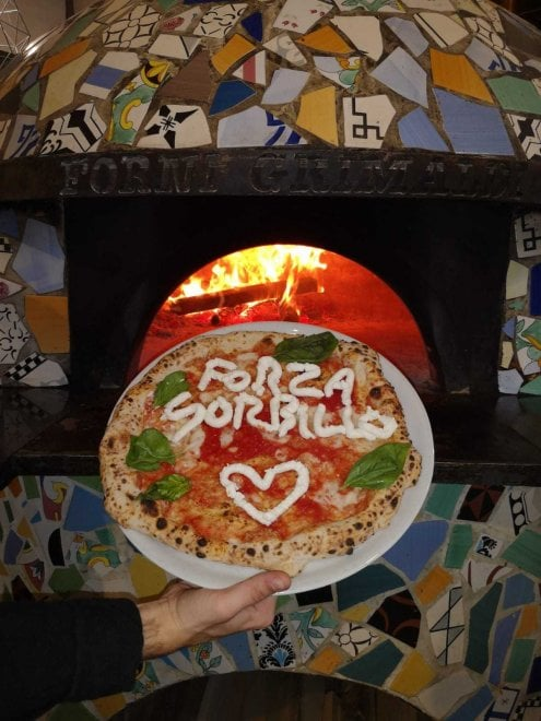 """""""Forza Sorbillo"""", la solidarietà dei pizzaioli di Castellammare con una margherita speciale"""