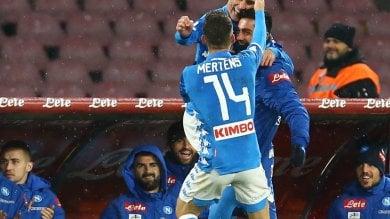 Napoli, due gol e tre pali: show contro la Lazio, ora la Juventus è più vicina