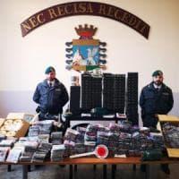 Napoli, scoperta una centrale per masterizzare cd falsi: due arresti